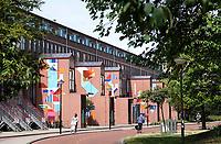 Nederland Amsterdam 2019 . De Bijlmer. Muurschildering op een huizenblok in de H-Buurt. Foto Berlinda van Dam / Hollandse Hoogte