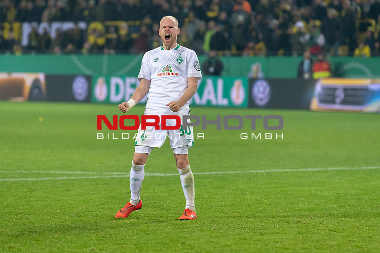05.02.2019, Signal Iduna Park, Dortmund, GER, DFB-Pokal, Achtelfinale, Borussia Dortmund vs Werder Bremen<br /> <br /> DFB REGULATIONS PROHIBIT ANY USE OF PHOTOGRAPHS AS IMAGE SEQUENCES AND/OR QUASI-VIDEO.<br /> <br /> im Bild / picture shows<br /> Jubel Davy Klaassen (Werder Bremen #30)<br /> <br /> Foto © nordphoto / Ewert