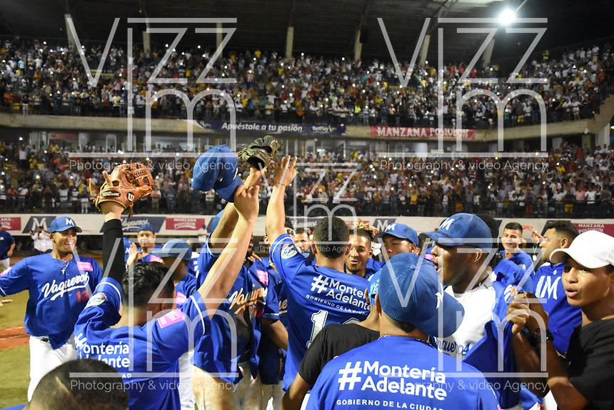MONTERIA - COLOMBIA, 16-01-2020: Vaqueros de Montería se coronó campeón después del encuentro con Gigantes de Barranquilla en partido 5 de la serie final de la Liga Profesional de Béisbol Colombiano temporada 2019-2020 jugado en el estadio estadio Dieciocho de Junio de la ciudad de Montería. / Vaqueros de Monteria win the championship after defeated to Gigantes de Barranquilla in match 5 final serie as part Colombian Baseball Professional League season 2019-2020 played at Baseball Stadium on June 18 in Monteria city. Photo: VizzorImage / Andres Felipe Lopez / Cont