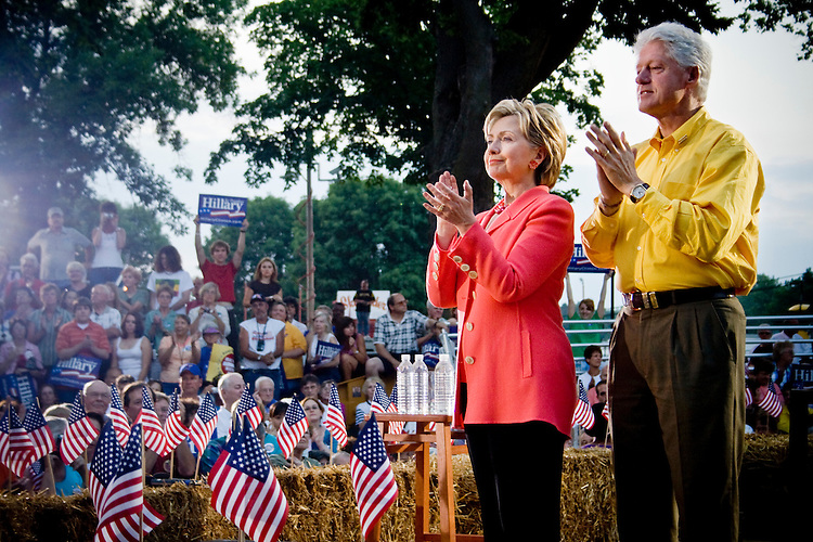 Bill and Hillary make a campaign stop in Iowa, July 3, 2007