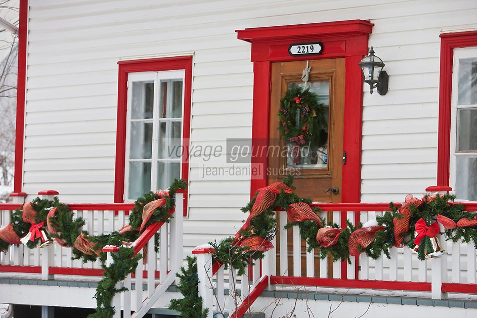 Amérique/Amérique du Nord/Canada/Québec/ Env de Québec/Île d'Orléans/Saint-Jean-de-l'Île-d'Orléans: Maison traditionnelle en  bois décorée à Noël