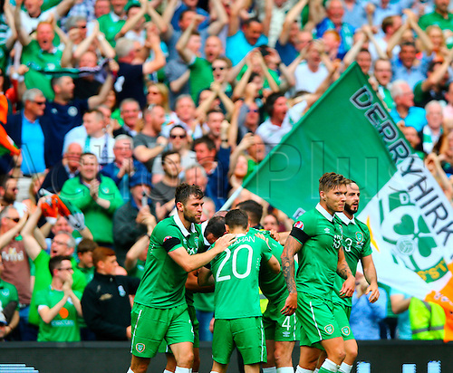 13.06.2015. Dublin, Ireland. Euro2016 Qualifying. Republic of Ireland versus Scotland. Wesley Hooligan (Rep. of Ireland) celebrates the Rep Ireland goal from Jon Walters