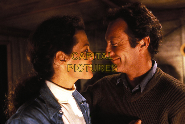 Gorillas in the Mist (1988) <br /> Sigourney Weaver, Bryan Brown<br /> *Filmstill - Editorial Use Only*<br /> CAP/KFS<br /> Image supplied by Capital Pictures