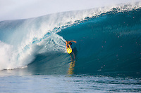 Brian Conley(USA) surfing at TEAHUPOO, Tahiti . Photo: joliphotos