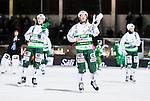 Stockholm 2015-01-06 Bandy Elitserien Hammarby IF - V&auml;ster&aring;s SK :  <br /> V&auml;ster&aring;s Johan Esplund med lagkamrater Oscar Gr&ouml;hn och Tobias Holmberg tackar V&auml;ster&aring;s supportrar efter matchen mellan Hammarby IF och V&auml;ster&aring;s SK <br /> (Foto: Kenta J&ouml;nsson) Nyckelord:  Elitserien Bandy Zinkensdamms IP Zinkensdamm Zinken Hammarby Bajen HIF V&auml;ster&aring;s VSK jubel gl&auml;dje lycka glad happy