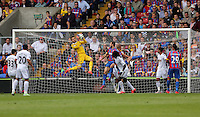 Pictured: Goalkeeper Lukasz Fabianski (TOP) grabs the ball from a Crystal Palace cross<br />
