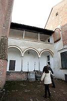 Il cortile della cella di un monaco nel Chiostro grande della Certosa di Pavia.<br /> The courtyard of a monk's cell in the Grand Cloister of the Certosa di Pavia.<br /> UPDATE IMAGES PRESS/Riccardo De Luca