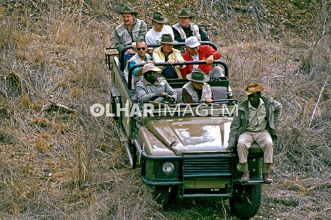 Turistas em safari na África do Sul. 1995. Foto de João Caldas.
