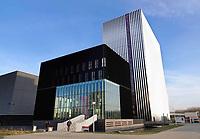 Nederland - Amsterdam - 2019. Science Park. Datacenter Equinix AM3 en AM4. Door de toenemende vraag van bedrijven om hun ict te verplaatsen naar de cloud, heeft Equinix de beschikbare ruimte uitgebreid. Het datacenter ligt op een van de meest netwerkdichte locaties van Europa. Foto Berlinda van Dam / Hollandse Hoogte