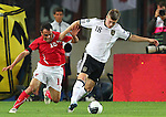 03.06.2011, Ernst Happel Stadion, Wien, AUT, UEFA EURO 2012, Qualifikation, Oesterreich (AUT) vs Deutschland (GER), im Bild Zweikampf zwischen Ekrem Dag, (AUT, #13) und Toni Kroos, (GER, #18)  // during the UEFA Euro 2012 Qualifier Game, Austria vs Germany, at Ernst Happel Stadium, Vienna, 2010-06-03, EXPA Pictures © 2011, PhotoCredit: EXPA/ T. Haumer