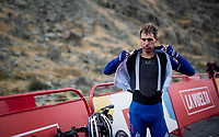 post-stage roadside prep by Zdenek Stybar (CZE/Deceuninck - QuickStep) for a quick descent from the (finish) mountain towards the team buses <br /> <br /> Stage 20: Arenas de San Pedro to Plataforma de Gredos (190km)<br /> La Vuelta 2019<br /> <br /> ©kramon
