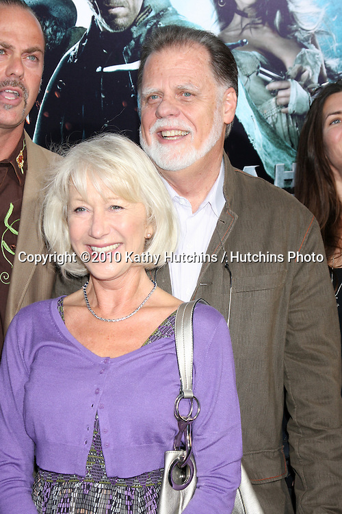 """Helen Mirren & Taylor Hackford.arrives at the """"Jonah Hex"""" World Premiere.ArcLight Cinerama Dome.Los Angeles, CA.June 17, 2010.©2010 Kathy Hutchins / Hutchins Photo.."""