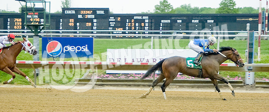 Making Waves winning at Delaware Park on 5/14/12