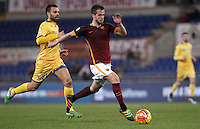 Calcio, Serie A: Roma vs Frosinone. Roma, stadio Olimpico, 30 gennaio 2016.<br /> Roma&rsquo;s Miralem Pjanic, right, is chased by Frosinone&rsquo;s Paolo Sammarco during the Italian Serie A football match between Roma and Frosinone at Rome's Olympic stadium, 30 January 2016.<br /> UPDATE IMAGES PRESS/Isabella Bonotto