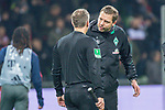 01.12.2018, Weser Stadion, Bremen, GER, 1.FBL, Werder Bremen vs FC Bayern Muenchen, <br /> <br /> DFL REGULATIONS PROHIBIT ANY USE OF PHOTOGRAPHS AS IMAGE SEQUENCES AND/OR QUASI-VIDEO.<br /> <br />  im Bild<br /> <br /> Florian Kohfeldt (Trainer SV Werder Bremen) unterh&auml;lt sich nach dem Spiel mit Timo Gerlach<br /> <br /> Foto &copy; nordphoto / Kokenge