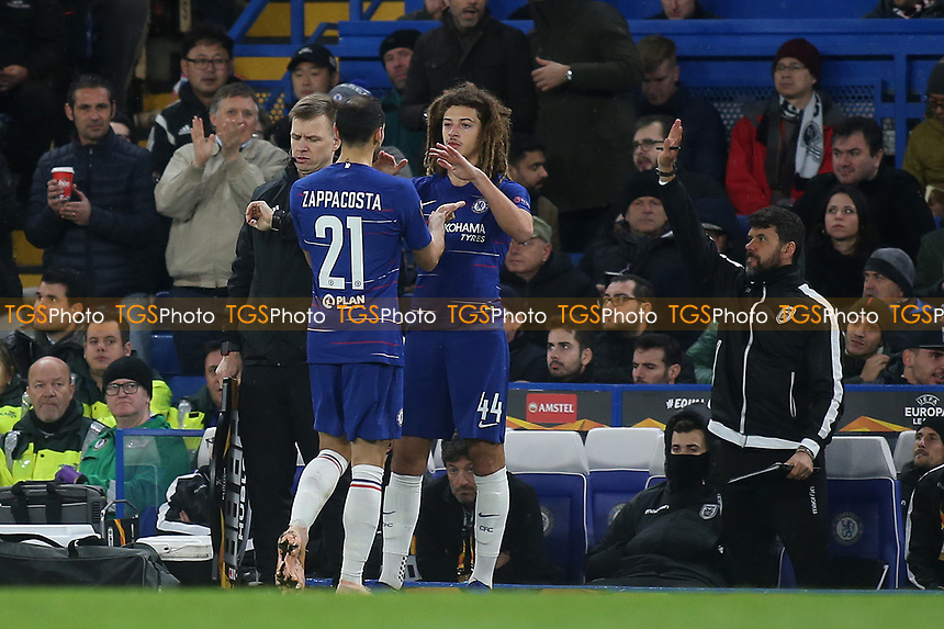 Chelsea's Davide Zappacosta is substituted in the second half after suffering an injury during Chelsea vs PAOK Salonika, UEFA Europa League Football at Stamford Bridge on 29th November 2018