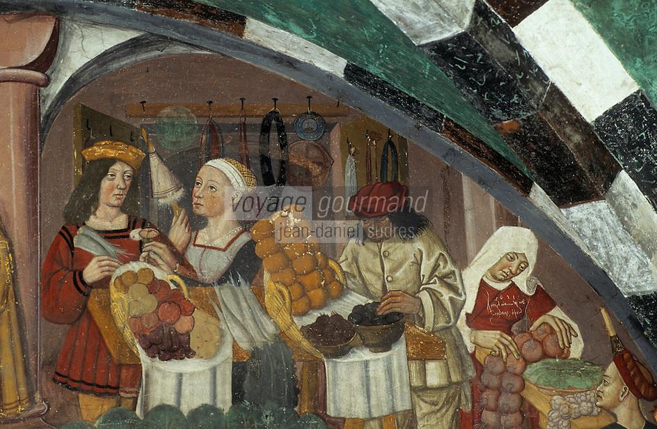 Europe/Italie/Val d'Aoste/Issogne: Château d'issogne -  Détail des fresques du vestibule  et des  portiques représentant des scénes de la vie quotidienne: l'épicerie