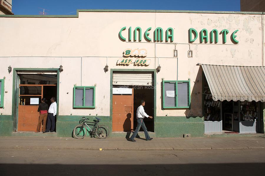 Cinema Dante, l un des plus anciens d asmara construit en 1910..Dante cinema, oldest cinema of Asmara, built in the 1910s