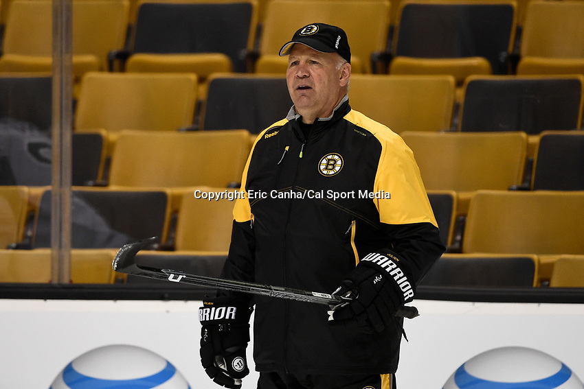 September 18, 2015 - Boston, Massachusetts, U.S. - Boston Bruins head coach Claude Julien watches practice at the Boston Bruins training camp held at TD Garden in Boston Massachusetts. Eric Canha/CSM