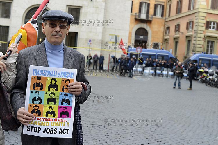 Roma, 3 Dicembre 2014<br />Contro il jobs act in discussione e votazione al senato, precari precarie, studenti e studentesse in corteo.