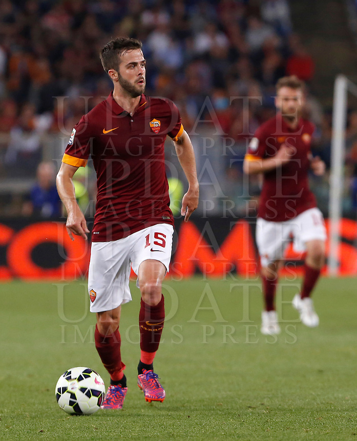 Calcio, Serie A: Roma vs Palermo. Roma, stadio Olimpico, 31 maggio 2015.<br /> Roma&rsquo;s Miralem Pjanic in action during the Italian Serie A football match between Roma and Palermo at Rome's Olympic stadium, 31 May 2015.<br /> UPDATE IMAGES PRESS/Riccardo De Luca
