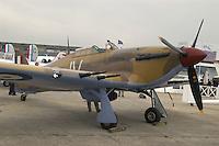 - vintage fighter aircraft Hurricane of second world war  restored (Great Britain)....- aereo da caccia Hurricane della seconda guerra mondiale  restaurato (Gran Bretagna)