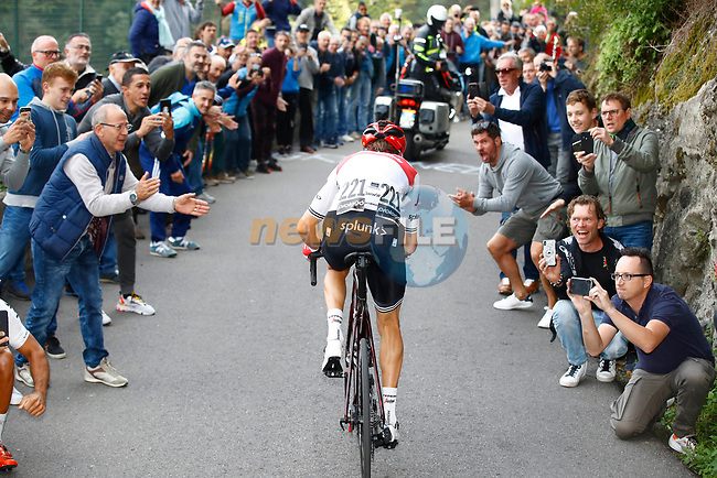 Bauke Mollema (NED) Trek-Segafredo climbs San Fermo Della Battaglia the final climb in Como during the 113th edition of Il Lombardia 2019 running 243km from Bergamo to Como, Italy. 12th Octobre 2019. <br /> Picture: Luca Bettini/BettiniPhoto | Cyclefile<br /> <br /> All photos usage must carry mandatory copyright credit (© Cyclefile | Luca Bettini/BettiniPhoto)