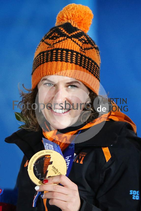 OLYMPICS: SOCHI: Medal Plaza, 10-02-2014, medaille uitreiking, 3000m Ladies, Ireen Wüst (NED), ©foto Martin de Jong