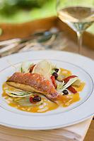 """Europe/France/Provence-Alpes-Cote d'Azur/84/ Vaucluse/Avignon:  Rouget juste saisi au fenouil et citron recette de Sebastien Aminot chef  de l' Hotel-restaurant """"La Mirande"""""""