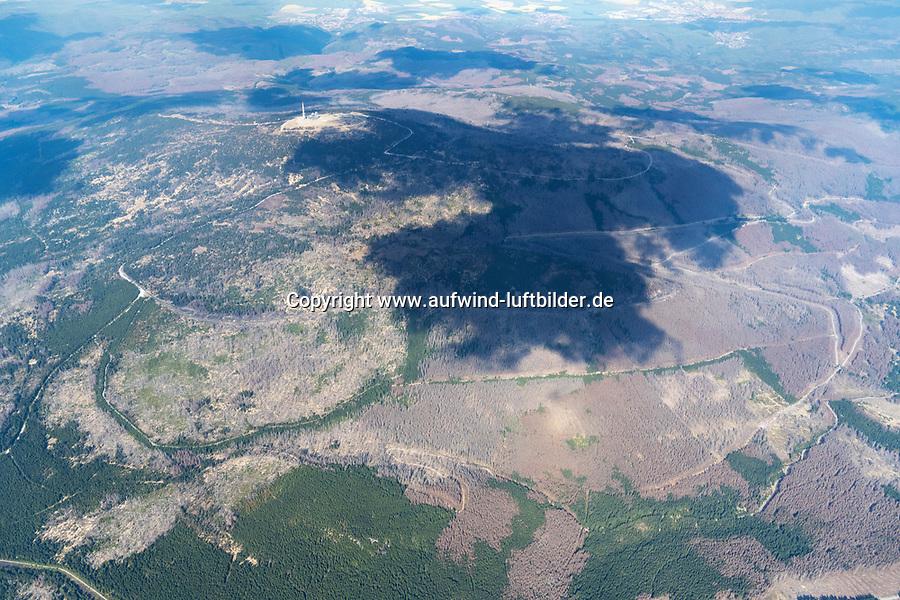 Waldsterben im Harz mit Brocken: DEUTSCHLAND, SACHSEN-ANHALT, BROCKEN, (GERMANY, SAXONY-ANHALT, BROCKEN), 26.04.2020: Waldsterben im Harz mit Brocken