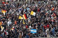 Roma, Città del Vaticano, 19-4-2005: la fumata bianca alle 18 annuncia al mondo e ai numerosi fedeli in attesa in piazza San Pietro che finalmente i cardinali hanno eletto il nuovo Papa.<br /> <br /> <br /> <br /> Rome, Vatican City, 19-4-2005: at 6 pm the white smoke signal annonces at the whole world that the new Pope has been elected by the cardinals reunited in Conclave and he will soon appear at the central window of the façade of Saint Peter's Basilica to bless the faithfuls.<br /> <br /> <br /> <br /> <br /> <br /> <br /> <br /> © Riccardo De Luca