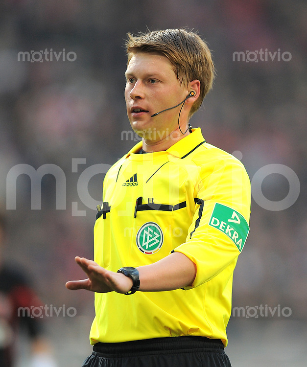 FUSSBALL   1. BUNDESLIGA  SAISON 2011/2012   13. Spieltag   20.11.2011 VfB Stuttgart - FC Augsburg      Schiedsrichter Christian Dingert