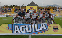 BOGOTÁ -COLOMBIA, 11-02-2015. Jugadores de Envigado posan para una foto de grupo previo al encuentro entre La Equidad y Envigado FC por la fecha 3 de la Liga Águila I 2015 jugado en el estadio Metropolitano de Techo de la ciudad de Bogotá./ Players of Envigado Pose to a photo prior the match between La Equidad and Envigado FC for the third date of the Aguila League I 2015 played at Metropolitano de Techo stadium in Bogotá city. Photo: VizzorImage/ Gabriel Aponte / Staff