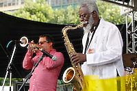 SAO PAULO, SP 18 DE MAIO 2013 - VIRADA CULTURAL 2013 - A Virada  Cultural acontece nos dias 18 e 19 de maio em toda a cidade de São Paulo. O músico Pharao's Sander's se apresentou hoje, 19, no Palco do Pateo do Colégio, ele que já tocou com grandew nomes do Jazz, como Miles Davis. FOTO: PAULO FISCHER/BRAZIL PHOTO PRESS