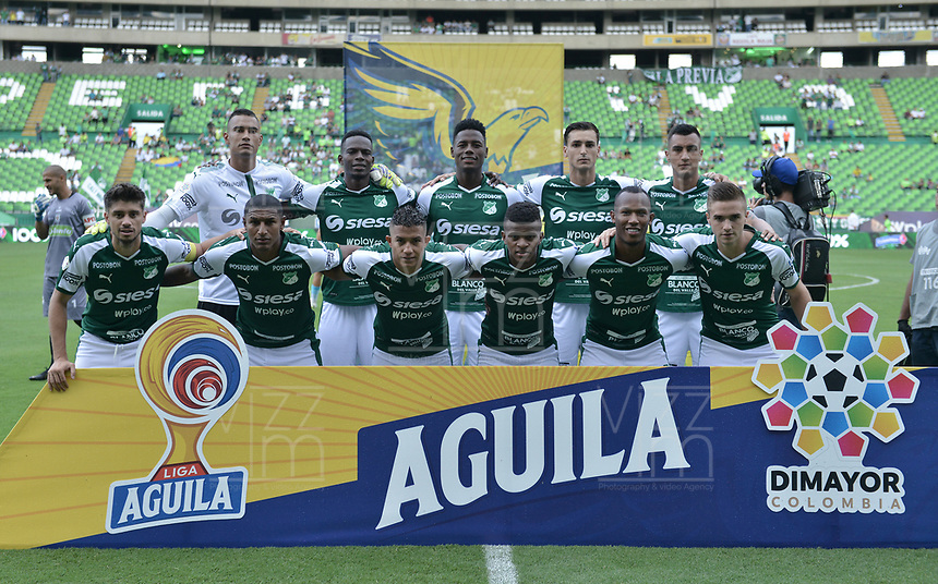 PALMIRA - COLOMBIA, 20-07-2019: Jugadores del Cali posan para una foto previo al partido entre Deportivo Cali y Jaguares de Córdoba por la fecha 2 de la Liga Águila II 2019 jugado en el estadio Deportivo Cali de la ciudad de Palmira. / Players of Cali pose to a photo prior Final second leg match as part Aguila League II 2019 between Deportivo Cali and Jaguares de Cordoba played at Deportivo Cali stadium in Palmira city. Photo: VizzorImage / Gabriel Aponte / Staff