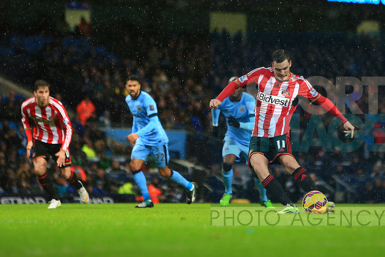 Adam Johnson of Sunderland scores to equalise at 2-2 - Manchester City vs. Sunderland - Barclay's Premier League - Etihad Stadium - Manchester - 28/12/2014 Pic Philip Oldham/Sportimage