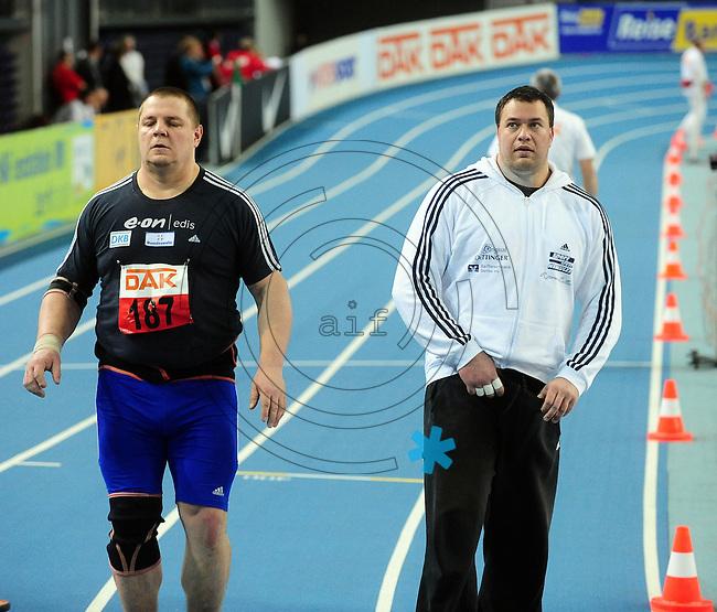 Leichtathletik - DHM 2009 Deutsche Hallenmeisterschaften - ARENA Leipzig - Track and Field - im Bild: Kugelstoßen Männer - der Sieger Ralf Bartels und Andy Dittmar (rechts). Porträt.Foto: Norman Rembarz..Norman Rembarz, Holbeinstr. 14, 04229 Leipzig, Hypo-Vereinsbank, BLZ: 86020086, Kto: 357889472, Ust. ID.: DE 256991963 St. Nr.: 231/261/06432 !!!!!!  Honorar zuzüglich 7 % Mwst !!!!!!!!