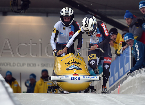 13.01.2017. Winterberg, Germany.  German bobsleighers Mariama Jamanka (R) and Annika Drazek in action at the Bobsleighing World Cup in Winterberg, Germany, 13 January 2017.
