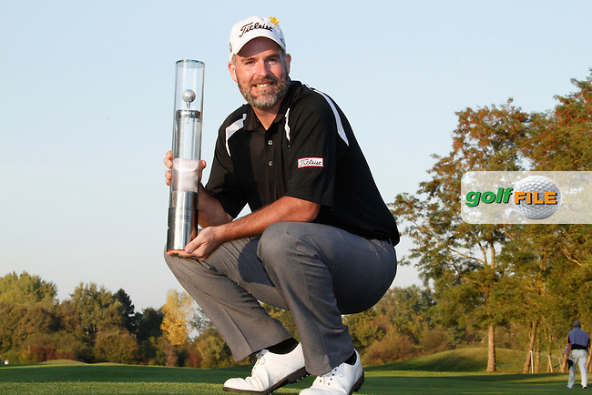 Kenneth Ferrie (ENG) wins the tournament after a playoff hole at the end of Sunday's Final Round of the Austrian Open presented by Lyoness at the Diamond Country Club, Atzenbrugg, Austria, 25th September 2011 (Photo Eoin Clarke/www.golffile.ie)
