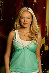 Jewel poses for a publicity still for Nashville Star.