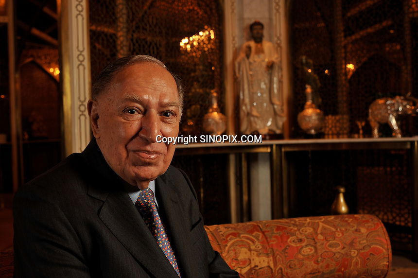 Dr Hari Harilela, 87, poses in the Mogal room of their Kowloon Tong residence in Hong Kong 18th October 2009. Hari is the director of the Harilela group.  The Harilela's are one of Hong Kong'sand Asia's best known and and most successful family businesses.<br />