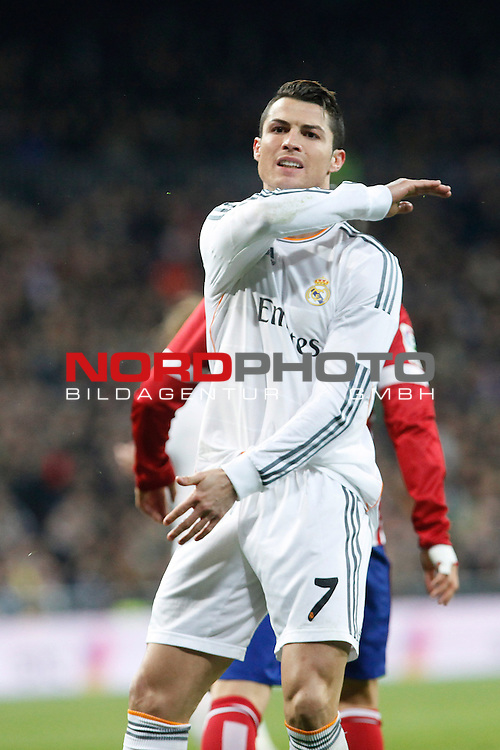 Real Madrid¬¥s  Cristiano Ronaldo during King¬¥s Cup (Copa del Rey) semifinal match in Santiago Bernabeu stadium in Madrid, Spain. February 05, 2014. Foto © nph / Victor Blanco)