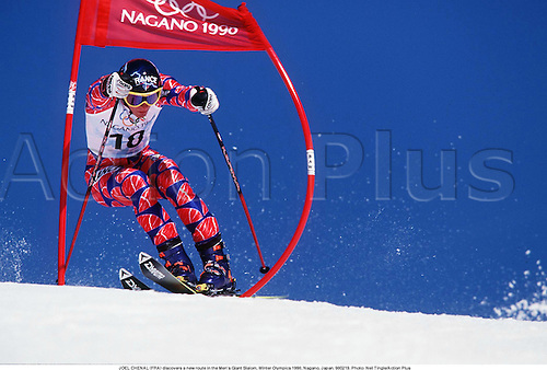 JOEL CHENAL (FRA) discovers a new route in the Men's Giant Slalom, Winter Olympics 1998, Nagano, Japan. 980219. Photo: Neil Tingle/Action Plus...1998.olympic games.skiing.winter sport.winter sports.wintersport.wintersports.alpine.ski.skier.man