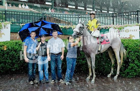 Gimme winning at Delaware Park on 9/3/12