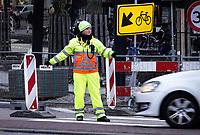 Nederland - Amsterdam -  2018. Verkeersregelaar. Foto Berlinda van Dam / Hollandse Hoogte