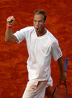 20030603, Paris, Tennis, Roland Garros, Martin Verkerk pept zich op in zijn partij tegen Moya