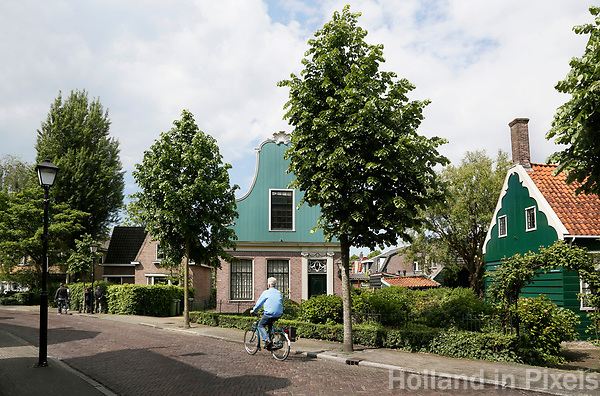 Nederland Zaandijk  2017 -   Straatbeeld in Zaandijk.  Foto Berlinda van Dam / Hollandse Hoogte