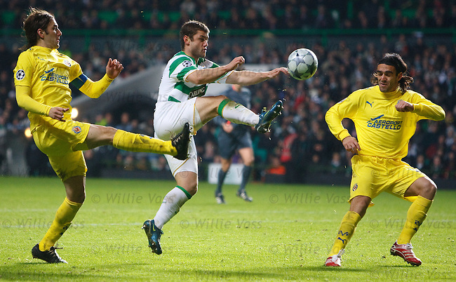 Shaun Maloney high steps his way through the Villarreal defence