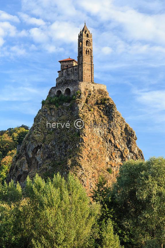 France, Haute-Loire (43), Le Puy-en-Velay et Aiguilhe, la Chapelle Saint-Michel d'Aiguilhe // France, Haute Loire, le Puy en Velay and Aiguilhe, Saint Michel d'Aiguilhe chapel