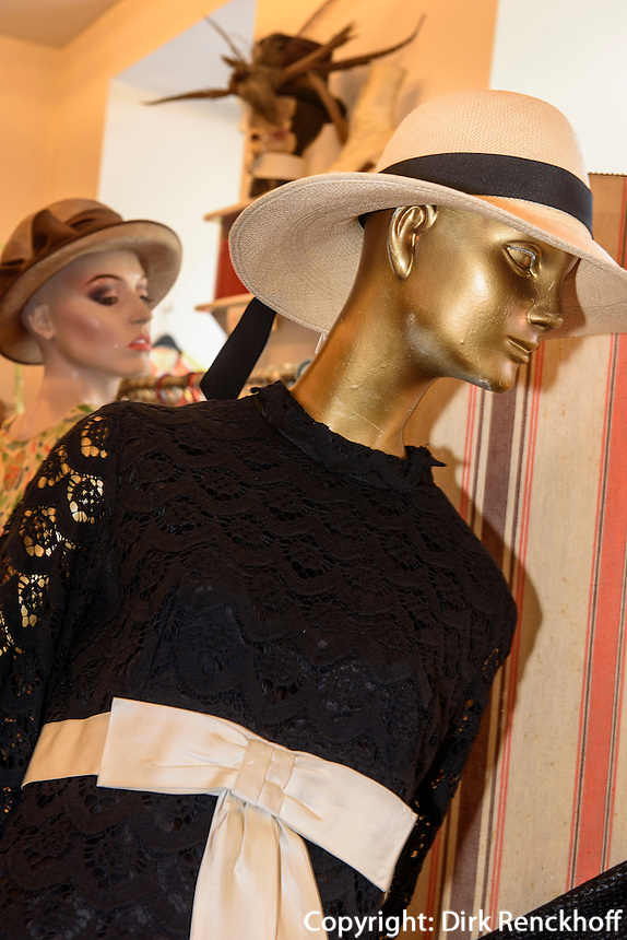 Modegeschaft Vintage Mode im Freihausviertel, Schleifm&uuml;hlgasse 15a, Wien, &Ouml;sterreich<br /> fashion shop vintage mode in Freihaus-Quarter, Vienna, Austria